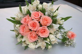 Камелия-Из каких цветов делают букет